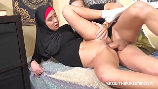 Freya Dee - Sexy Muslim Bitch In Peppery Latex